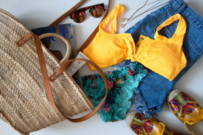 Sezon na wodę! – w co ubrać się na plażę?